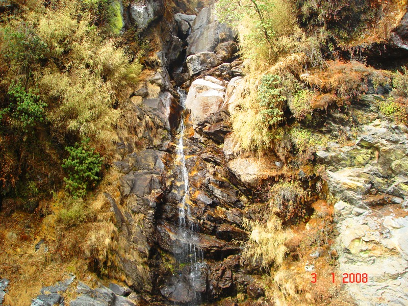 Kyongnosla waterfall at 10400 feet