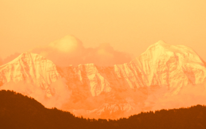 Himalayas_at_dusk_from_Mussoorie,_Uttarakhand