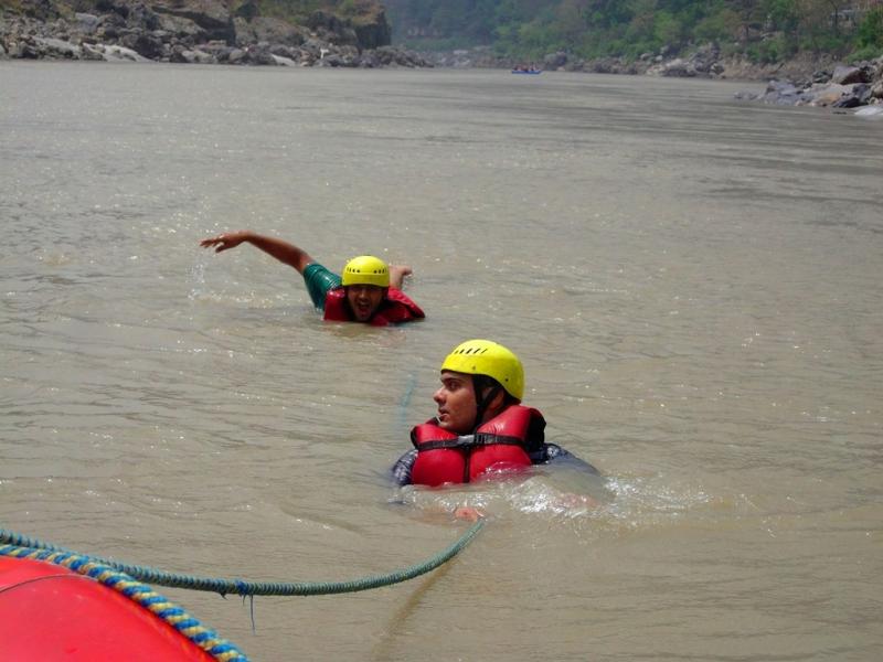 Body floating in Ganga