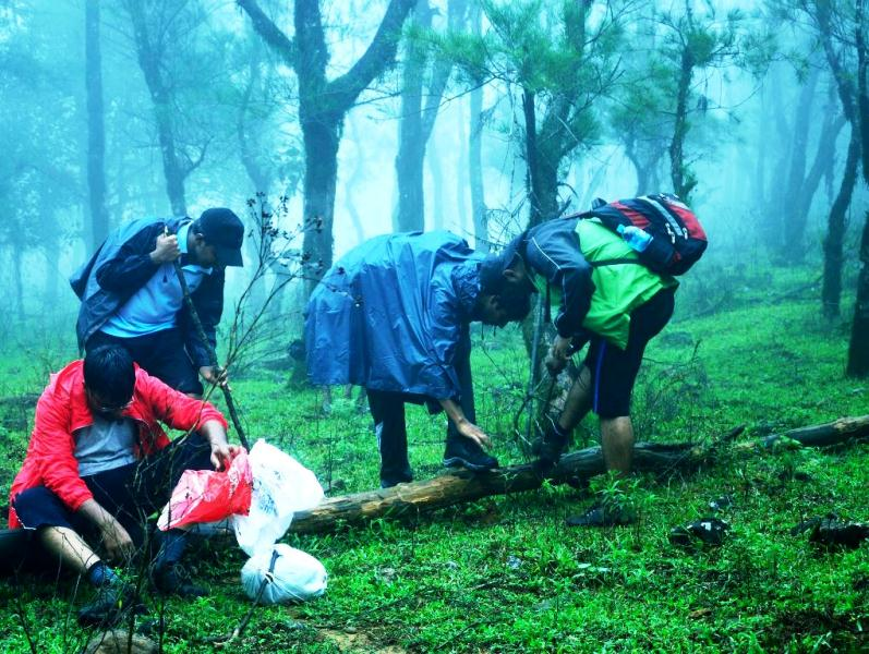 Monsoon survival trek, Nishani Betta, Niligiris