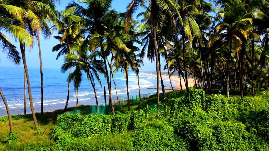 Goa beach around Taj fort