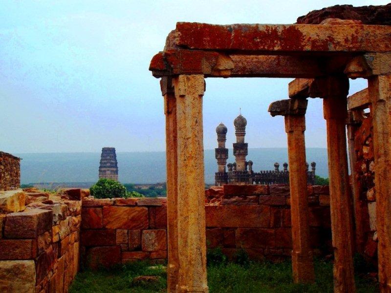 Madhavaraya temple and Jamia Masjid as seen from Raghunathaswamy temple, gandikota