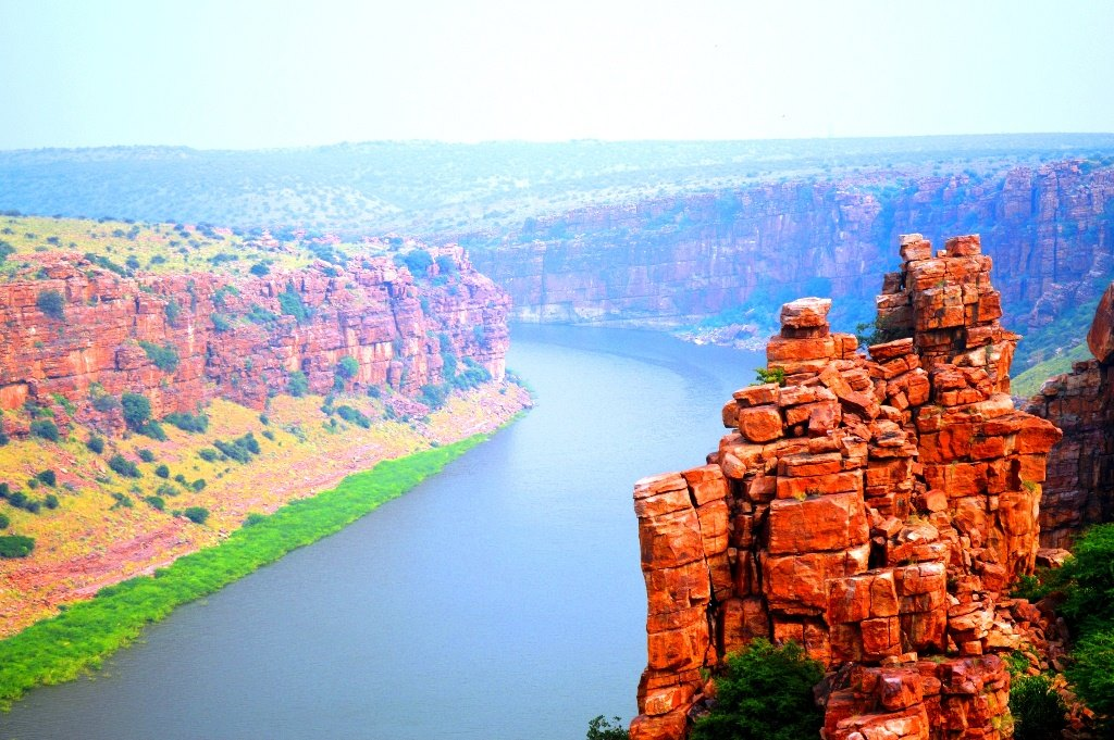 River Penna gorge eastwards, Gandikota