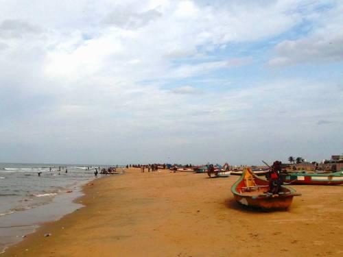 Cavelong-beach-along-ECR