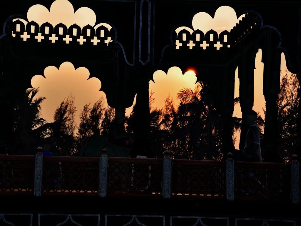 Chohidhaani Chennai at sunset