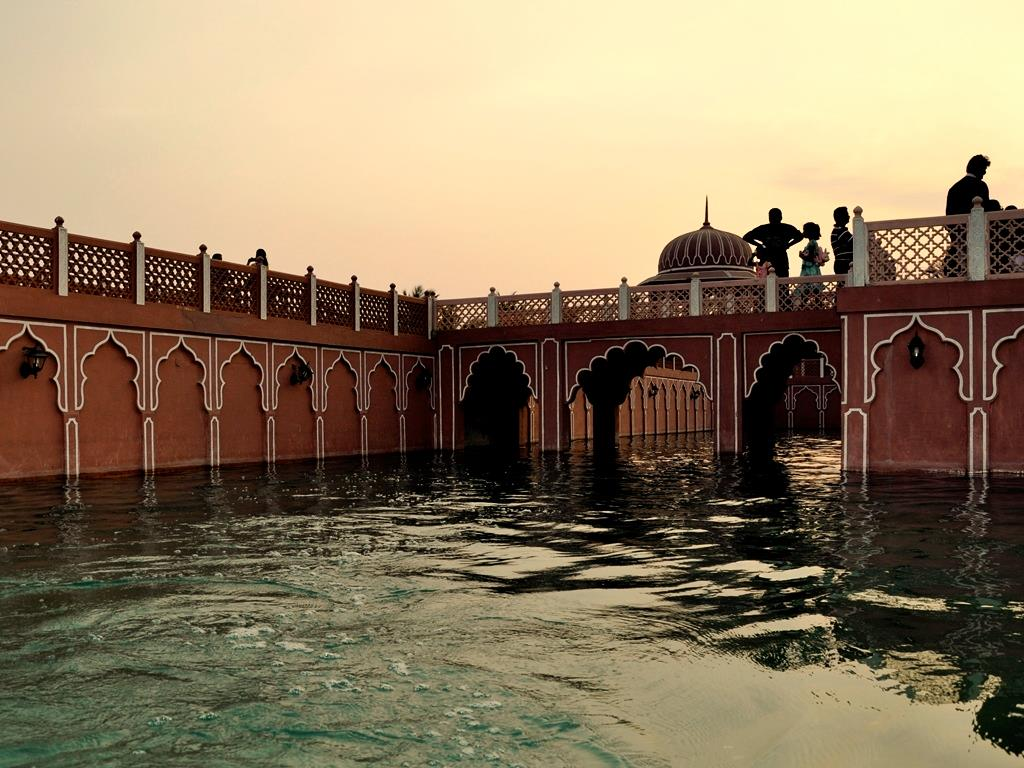 Chokhidhaani chennai boating