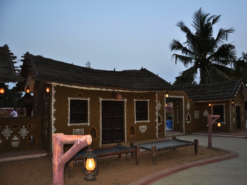Mud huts at Chokhidhaani chennai
