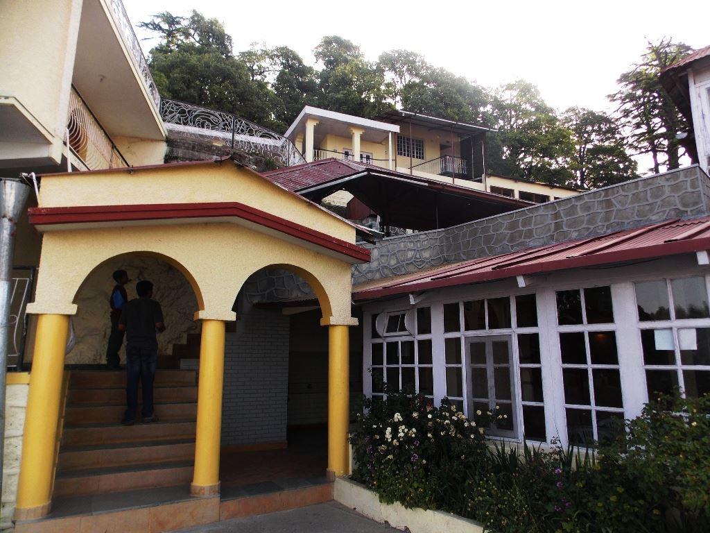 Way to hostel in a school in mussoorie