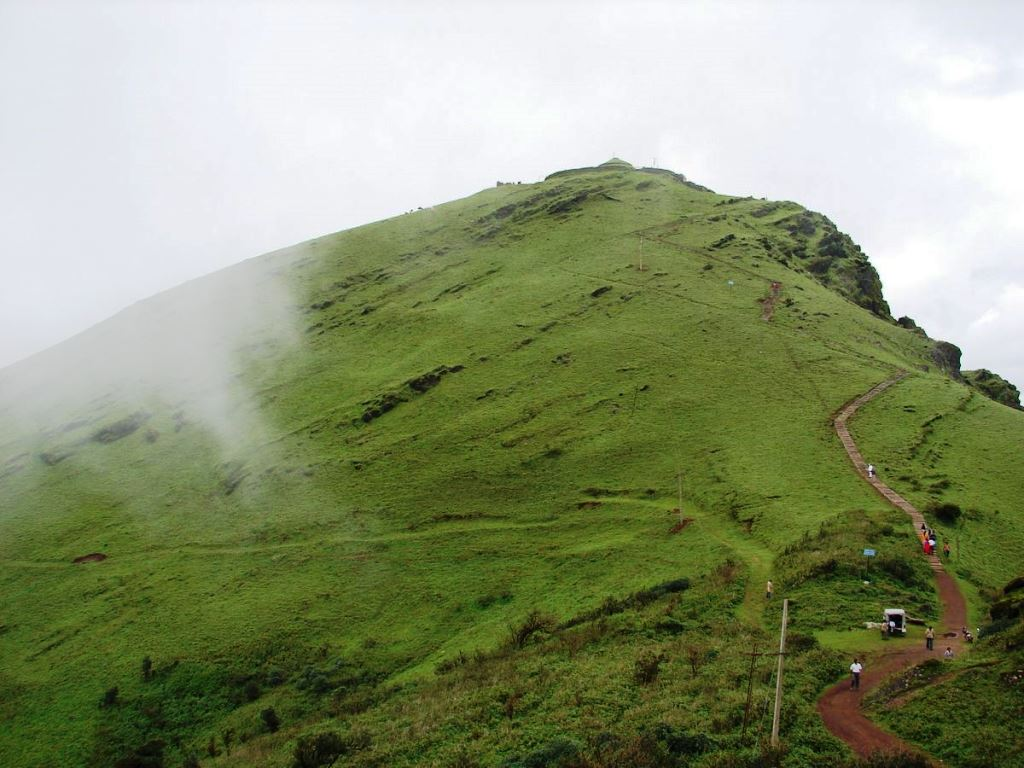 Mullayanagiri by vehicle