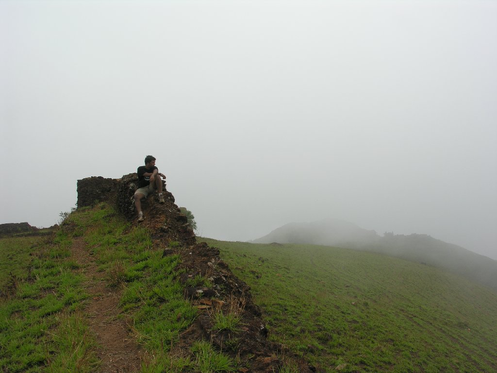BallayarayanaDurga fort on bandaje arbi fall trek, source internet