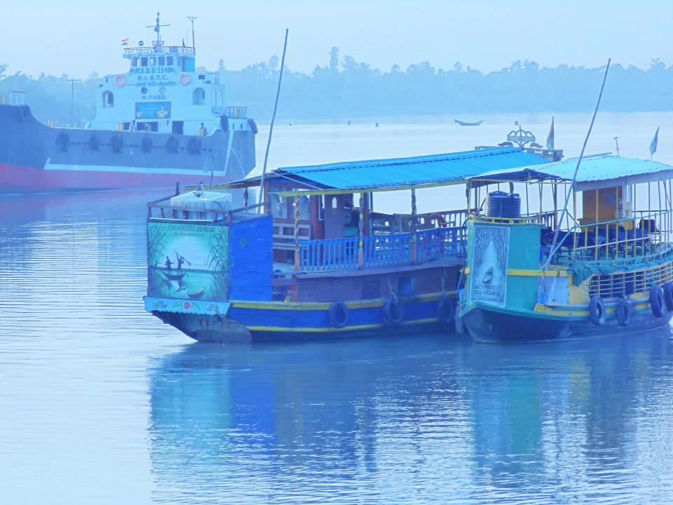 Sundarbans early morning and foggy ships