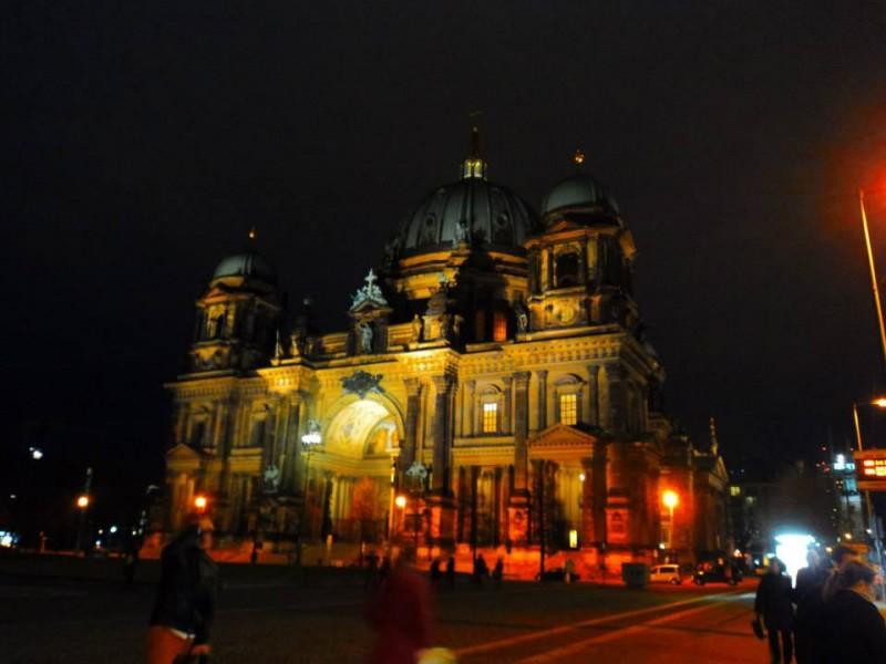 berlin cathederal church at night