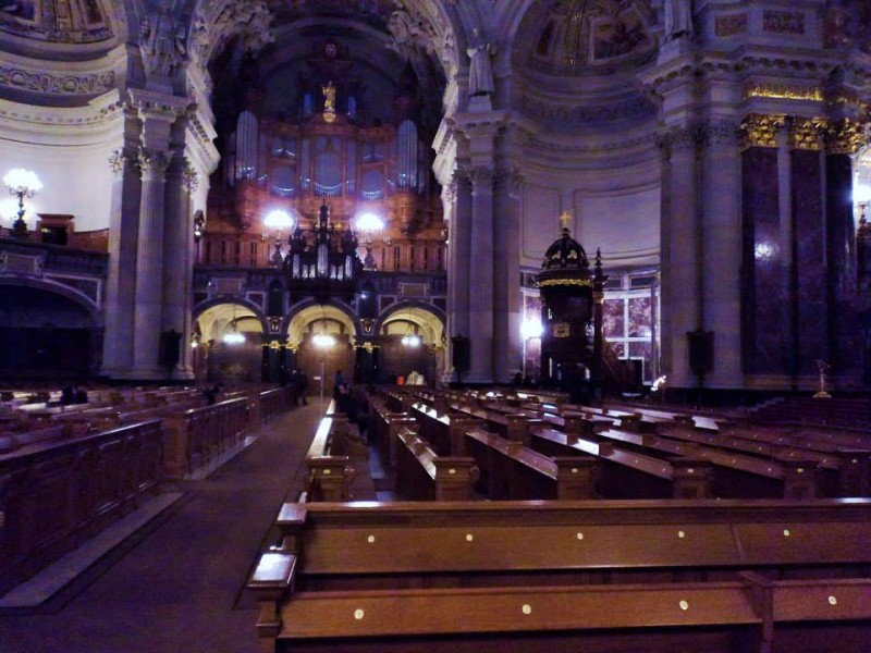 inside berlin cathederal church