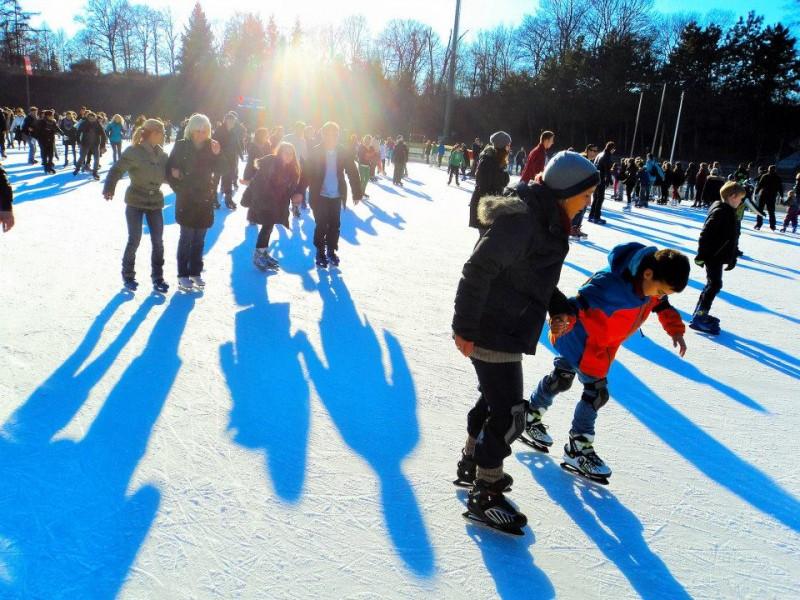 People doing ice skating in berlin