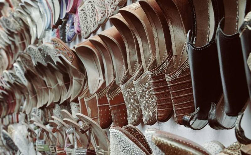 Janpath market, delhi juttiyan