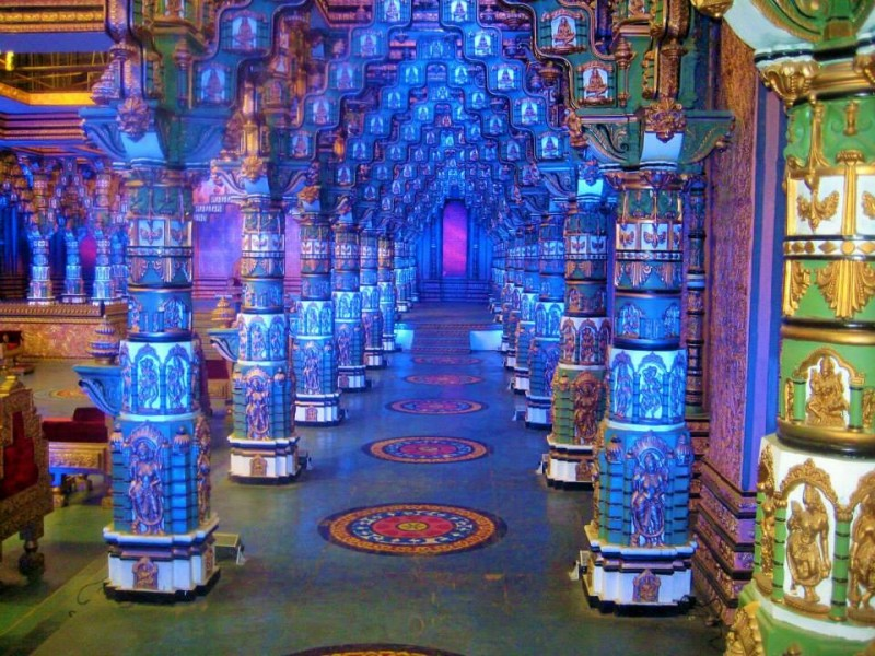 Ramoji film city, a kings durbar set
