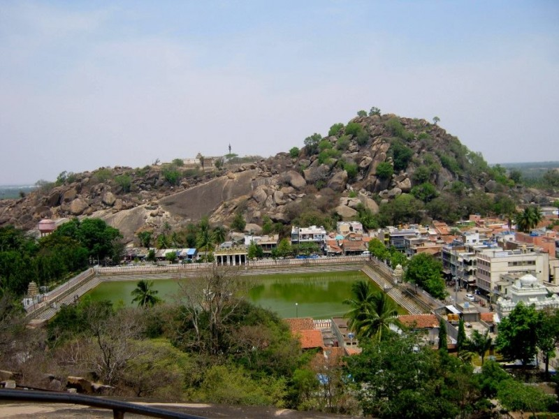 White pond and chandagiri hills, shravanabelagola