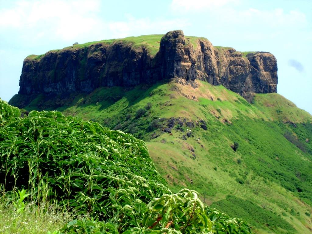 kenjalgad fort trek