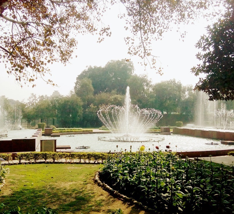 A fountain at Mughal Garden