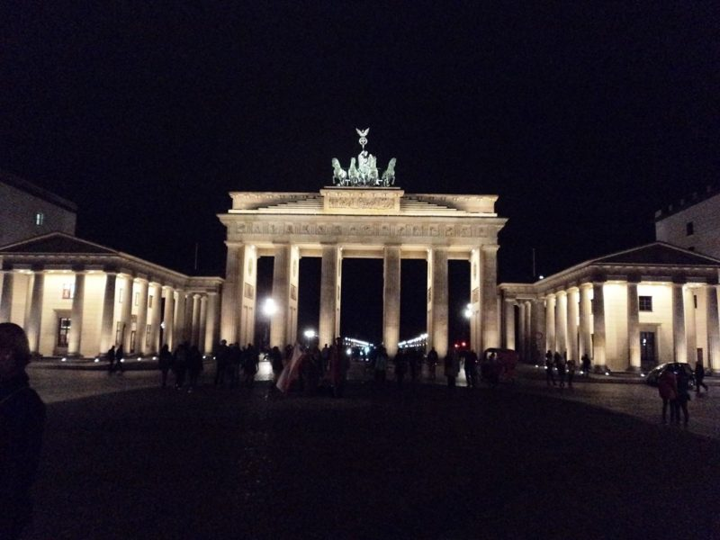 Brandenburg gate berlin (2)