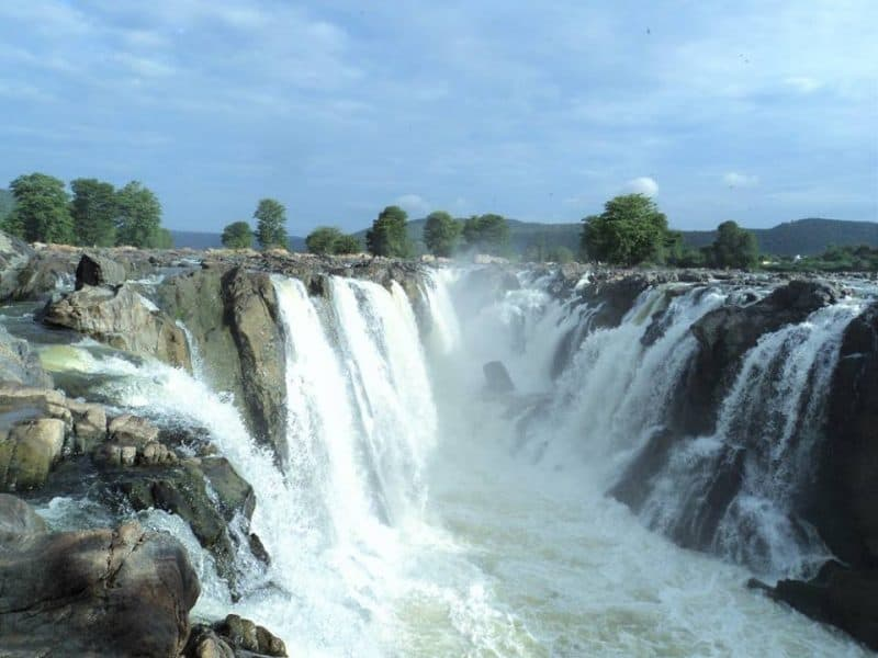 Hogenakkal waterfalls Karnataka side