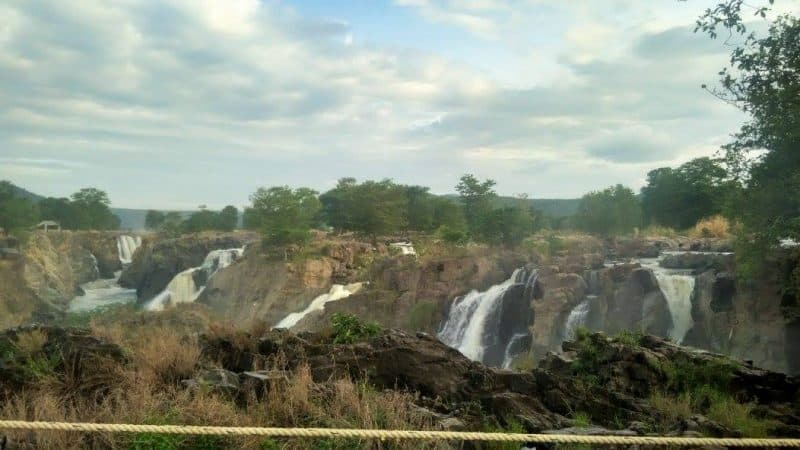 Hogenakkal waterfalls Tamilnadu side