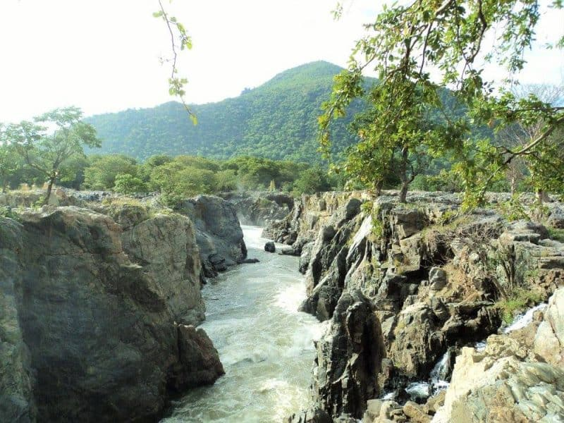 Hogenakkal waterfalls gorges Karnataka side