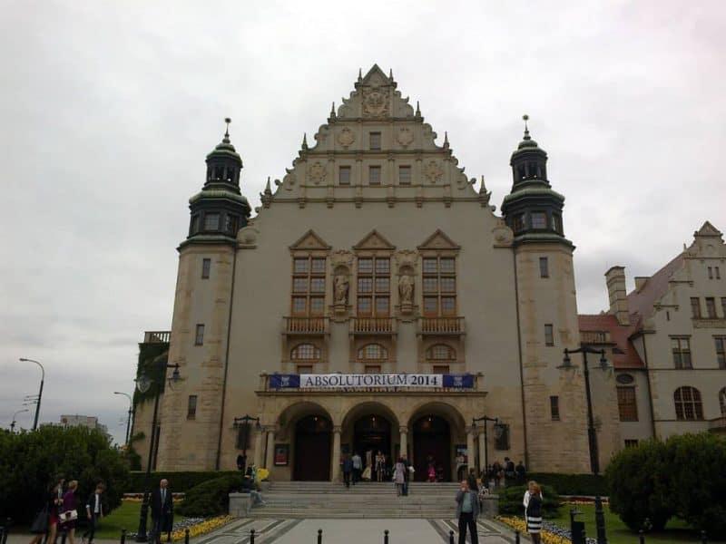 adam-mickiewicz-universityadam-mickiewicz-university