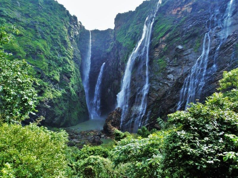 Jog falls from bottom