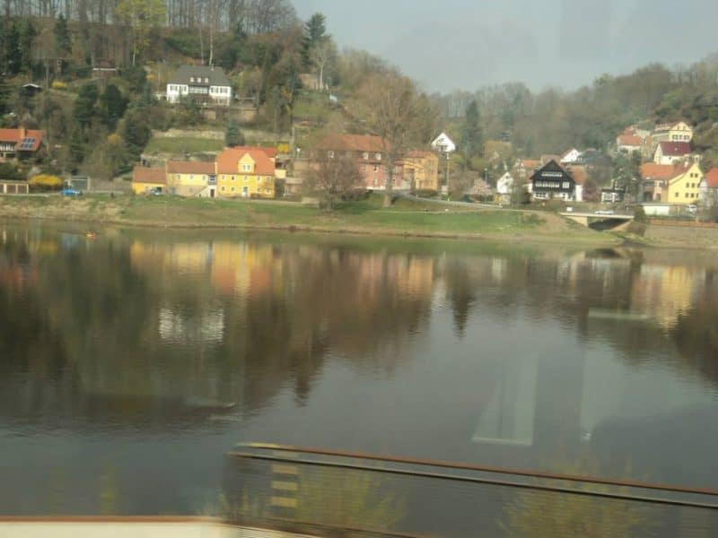 river-elbe-on-the-way-from-berlin-to-prague