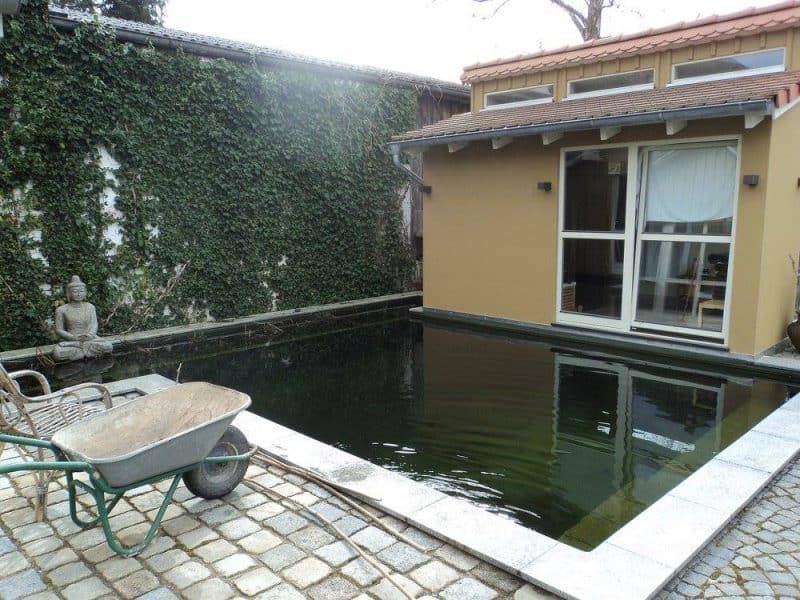 pool-and-sauna-room