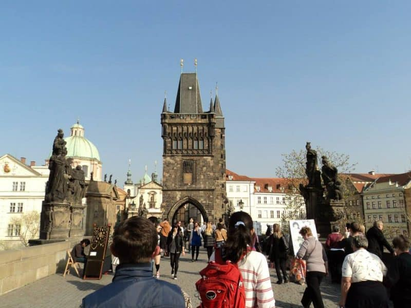 pedestrians-at-charles-bridge