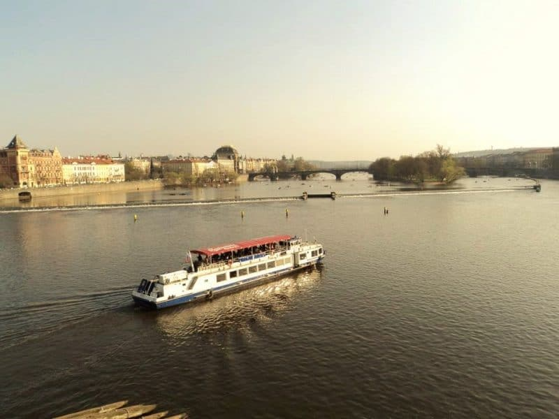 river-vltava-in-evening-from-charles-bridge