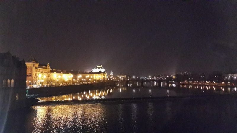 prague-castle-as-seen-in-night-from-charles-bridge