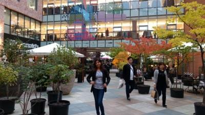 Street shopping on Hongik University