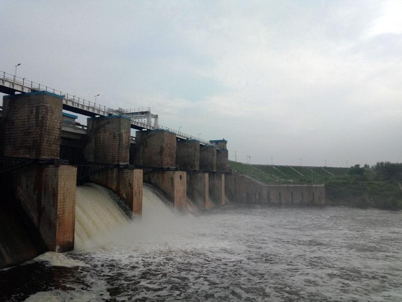 Kelavarapalli water gates