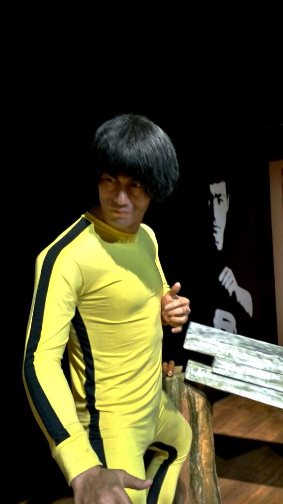 Bruce lee statue at Kolkata wax museum