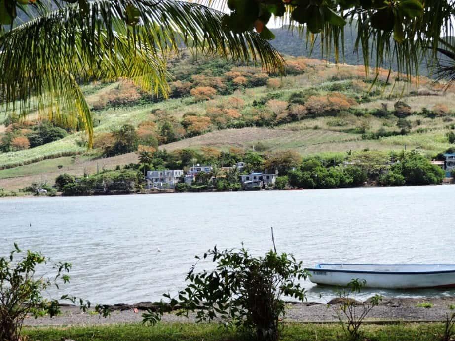 Mauritius road trip near GRSE waterfalls