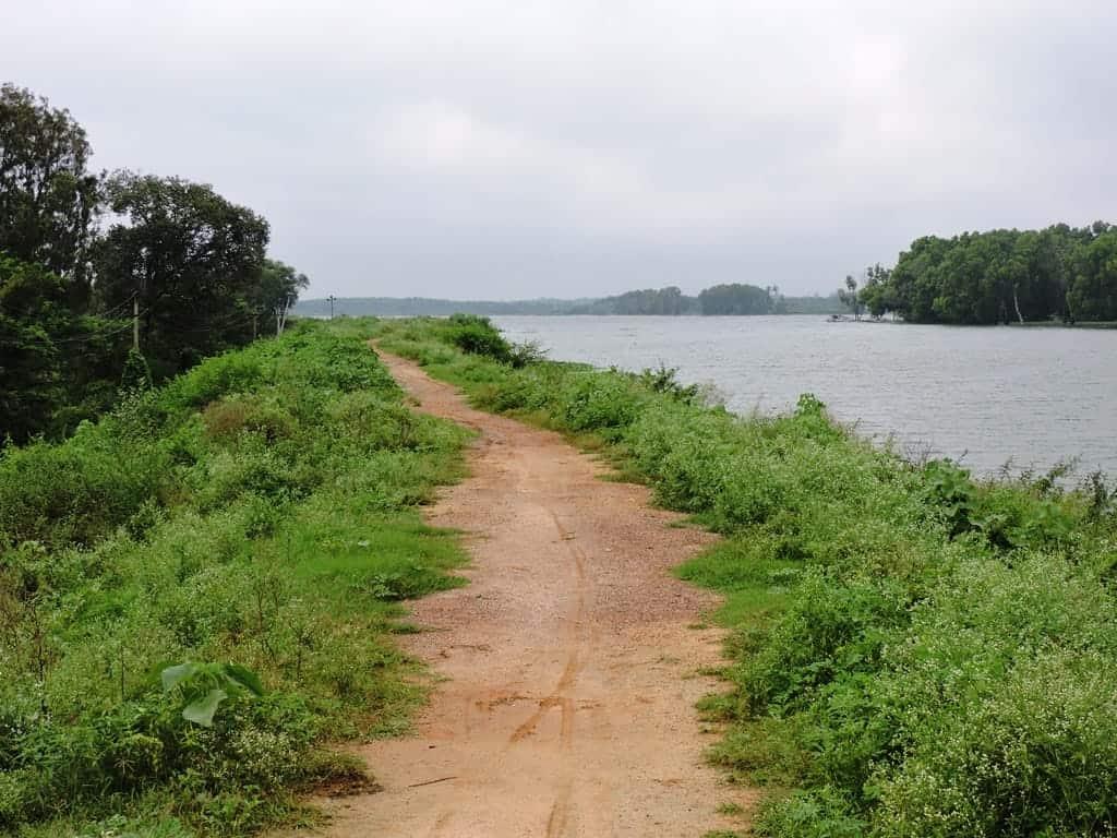 Muthanallur lake cycling trail