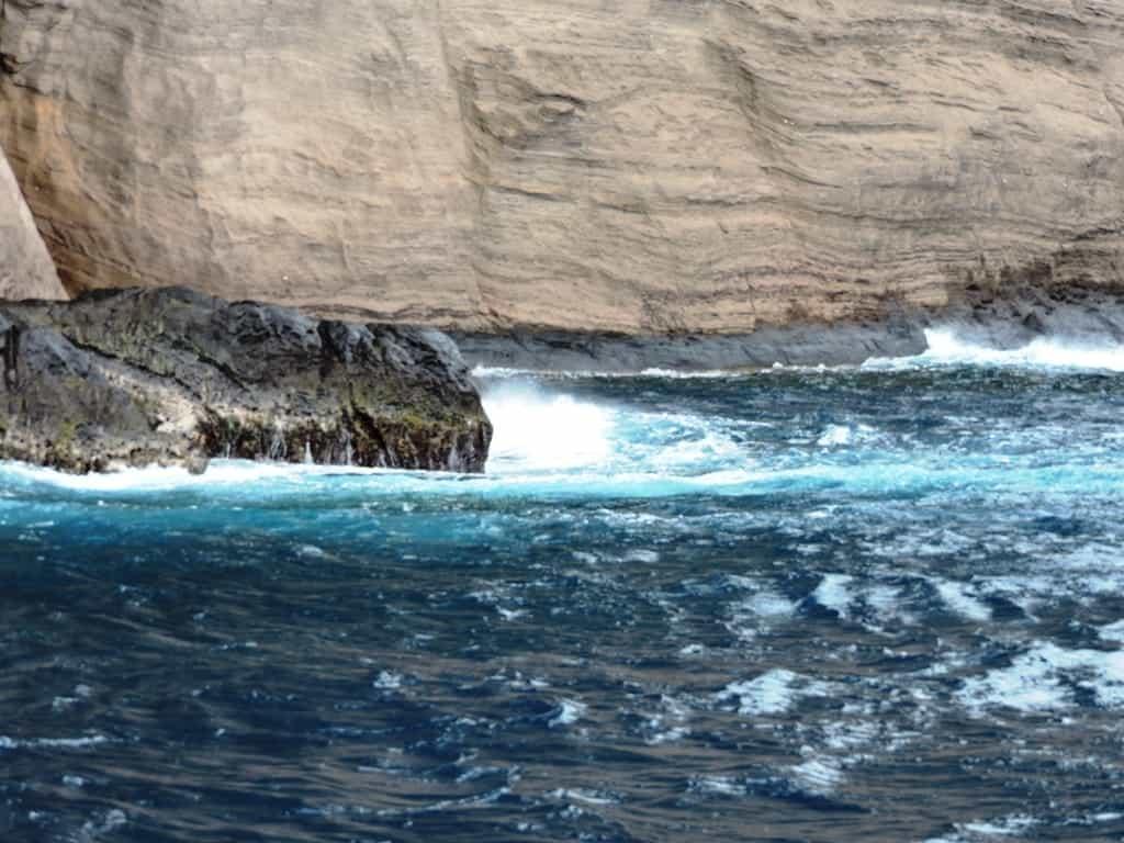 волны и скалы Круиз на катамаране по Маврикии