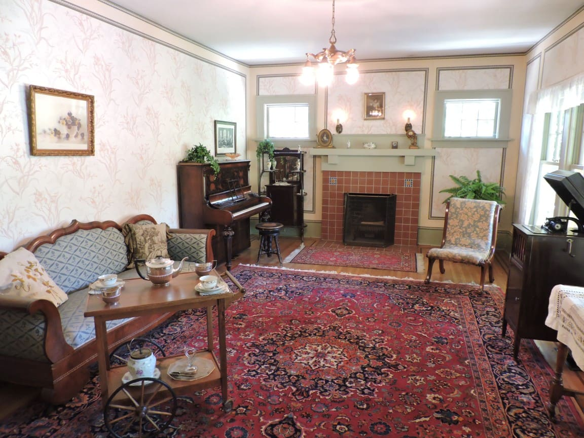 Elworth drawing room