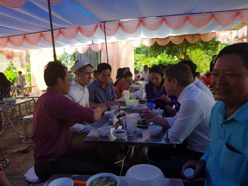 vietnamese wedding lunch