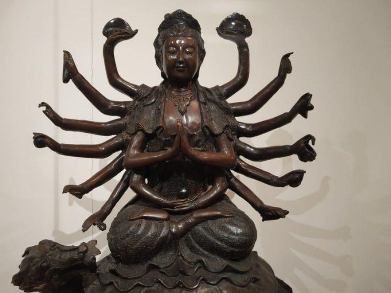 Buddha with 16 hands