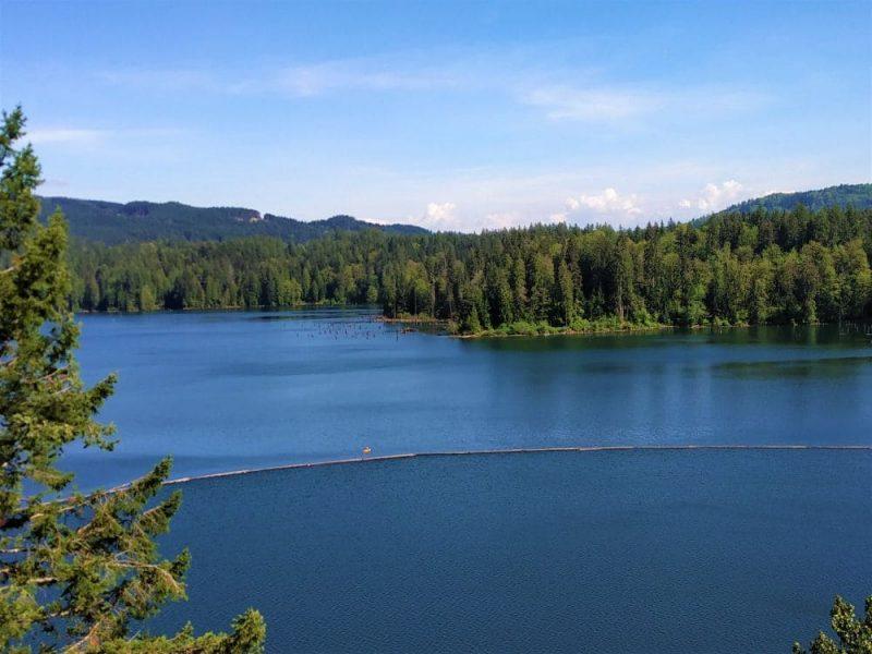 hayward lake from parking lot