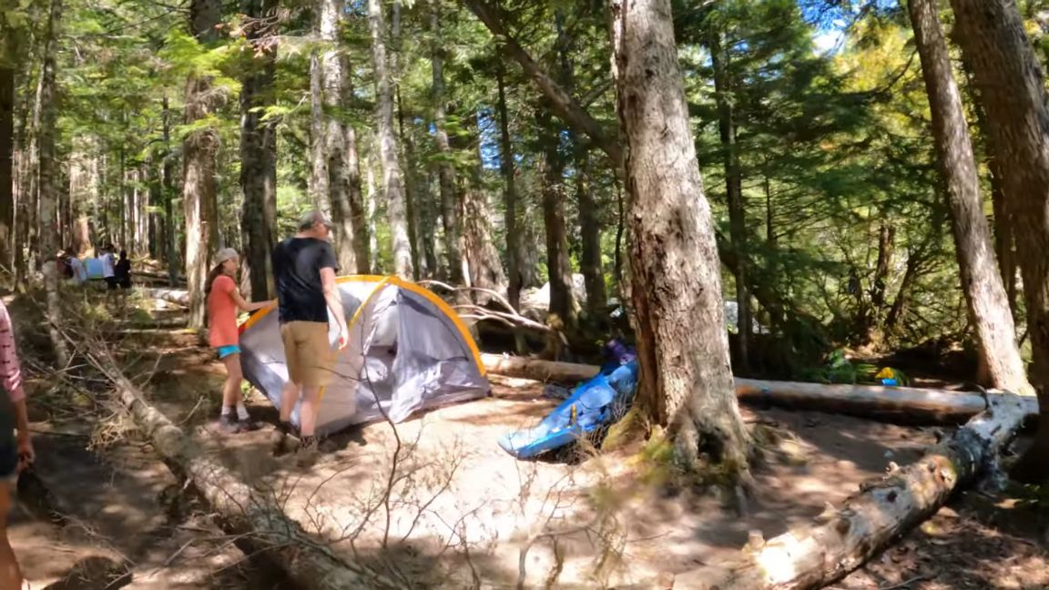 Lindeman-Lake-camping-sites
